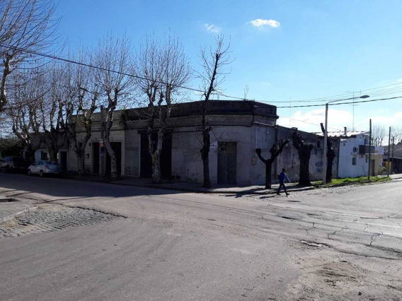 Local Con 4 Oficinas A Cuadras Del Centro.