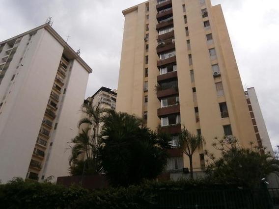 Apartamento En Venta En Tzas. Del Club Hípico - Mls #18-2687