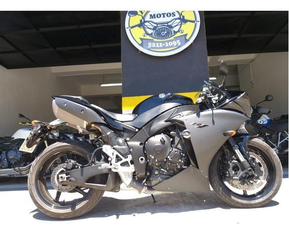 R1 Yamaha