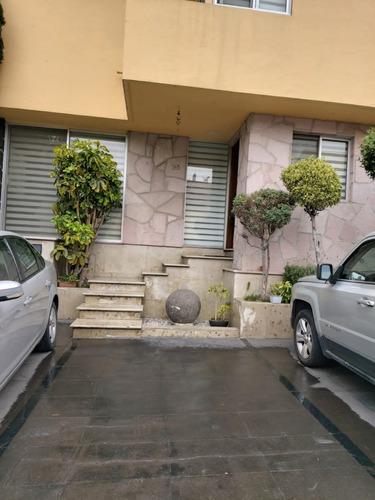 Imagen 1 de 10 de Casa En Venta En San Bernabé En C:h