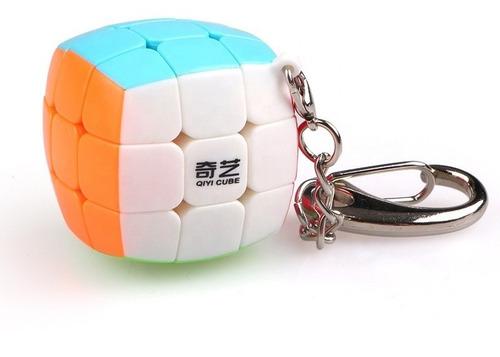 Imagen 1 de 9 de Cubo Rubik Qiyi Bun Llavero 3x3x3 Stickerless Speed Original