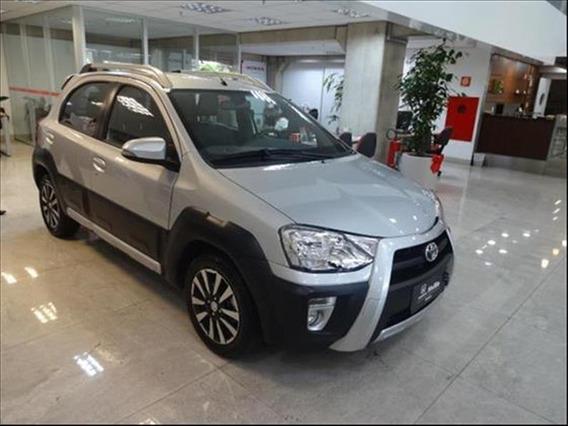 Toyota Etios Cross 1.5 Flex Automático