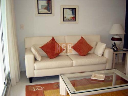 Apartamento En Mansa, 2 Dormitorios - Ref: 1637