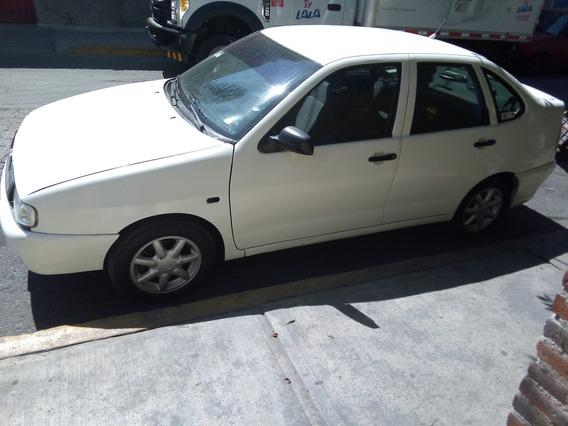 Volkswagen Derby 1.8 Blanco 5 Puerta