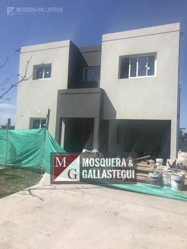Imagen 1 de 10 de Casa - Santa Elena
