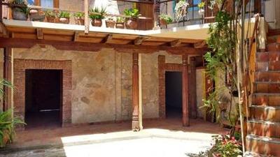 Casa En Venta En El Barrio De San Ramon