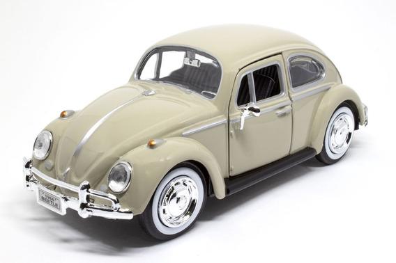 Miniatura Volkswagen Fusca Classic Beetle 1966 1/24 Bege