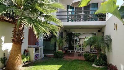 Vendo Hermosa Casa 3 Recámaras Con 5 Baños Y Amplio Jardín