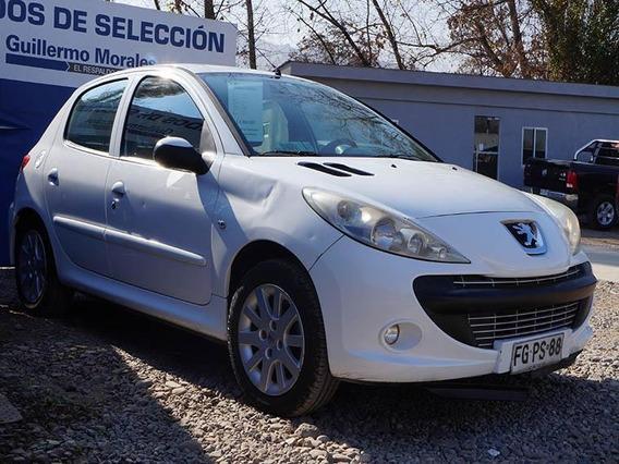 Peugeot 207 . 2013