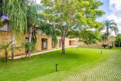 Hermosa Villa En Casa De Campo.