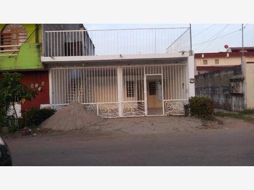 Casa Sola En Venta La Parrilla 2da Secc (la Lima)