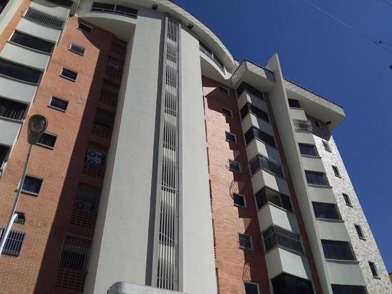 Apartamento En Venta Fuerzas Aereas Maracay Mls 20-719 Cc