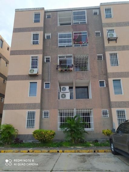 Apartamento En Alquiler, Cua