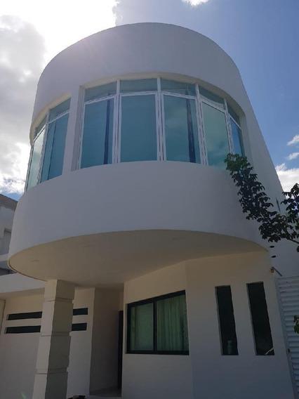 Casa En Venta En Playa Del Carmen En El Encuentro.