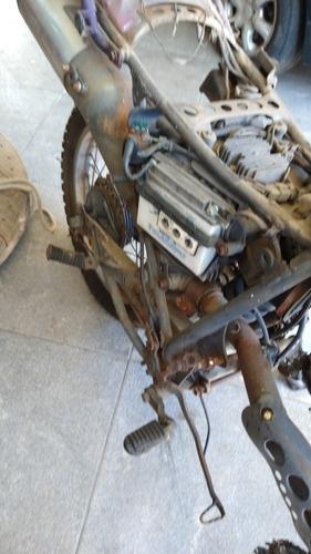 Imagem 1 de 8 de Honda Sahara 350