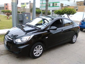 Hyundai Accent Hatchback Color Negro Brillante Con Gas Glp