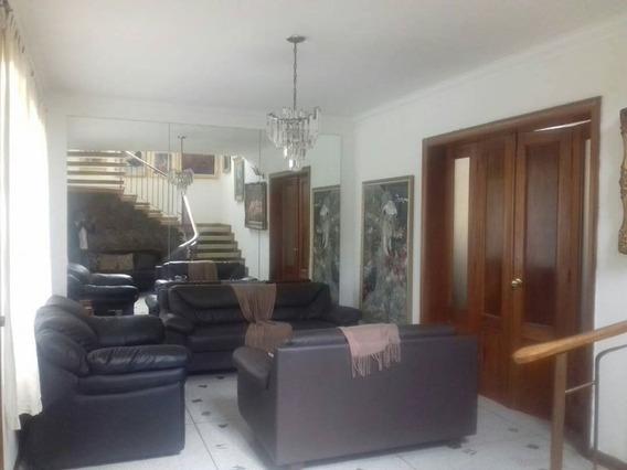 Casa En La Urb. El Trigal En Valencia. Cod: Nac-116