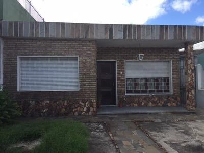 Proxima A Llupes Y Carlos Maria Ramirez , Dos Dormitorios