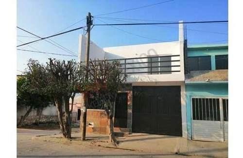 Casa En Venta En La Misión Con Recámara En Planta Baja