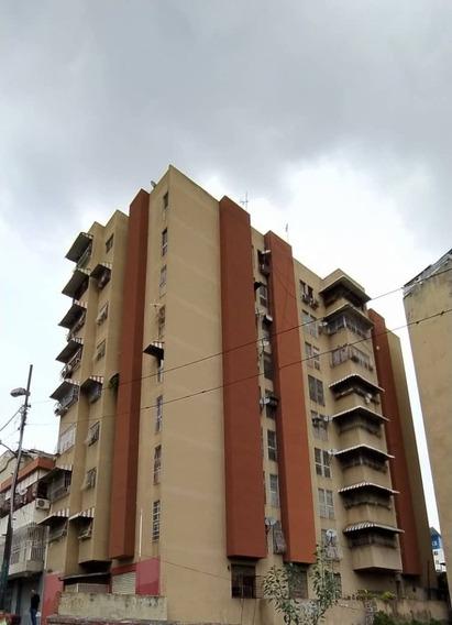 Apartamentos En Alquiler Av Panteon