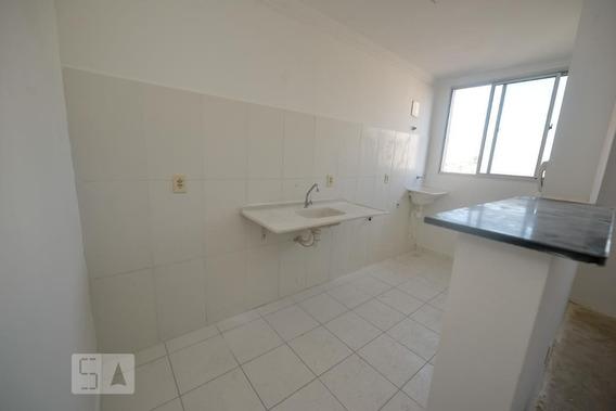 Apartamento No 6º Andar Com 2 Dormitórios E 1 Garagem - Id: 892975288 - 275288