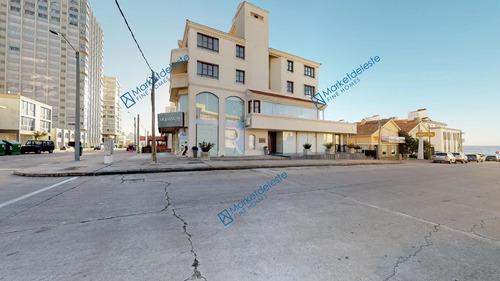 Edificio Comercial Con Locales