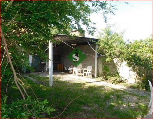 Venta De Apartamento En El Centro De Maldonado, 3 Dormitorios, Baño, Buen Lugar Para Vivir.- Ref: 167931