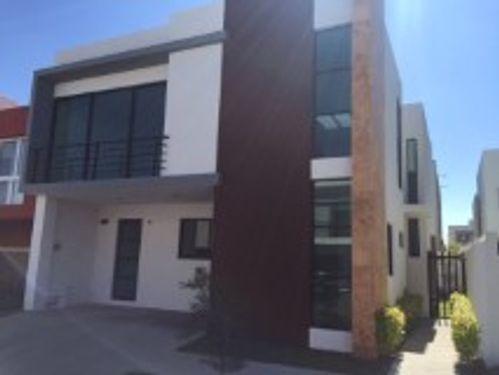 Casa En Renta En Solares