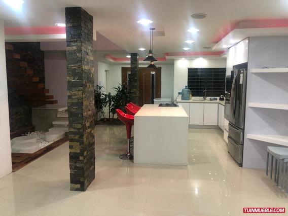 Venta De Bello Y Moderno Townhouse En Conjunto Residencial