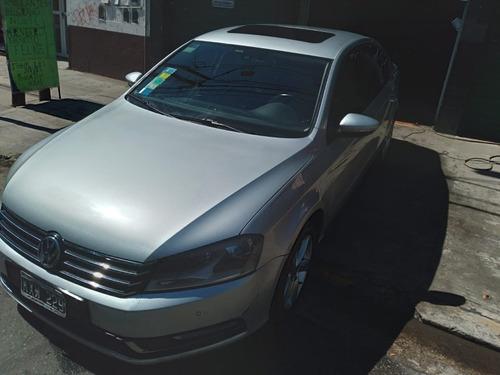Imagen 1 de 14 de Volkswagen Passat 2012 1.8 Confort Tsi 160cv Permuto Financi
