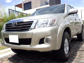 Espectacular Camioneta Toyota Hilux Sr 2013