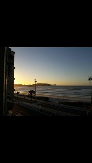 Em Praia Do Forte