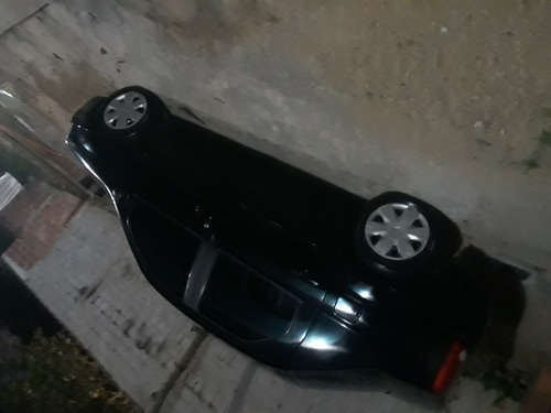 Imagem 1 de 9 de Renault Logan