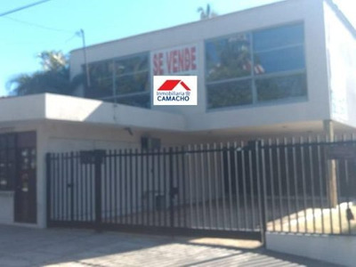 Casa Sola En Venta Esquina; Excelente Oportunidad De Casa Con Terreno (850 M2) Por Av De Los Maestr