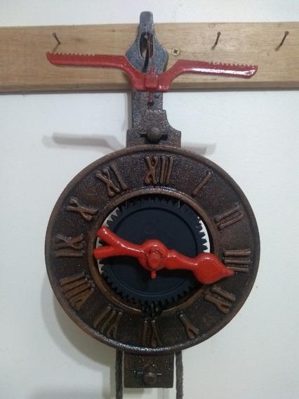 Relógio Antigo De Parede Ferro Fundido