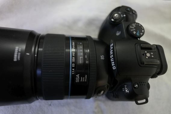 Camera Samsun Nx11 Com Lente 85mm F/1.4 Mirrorless