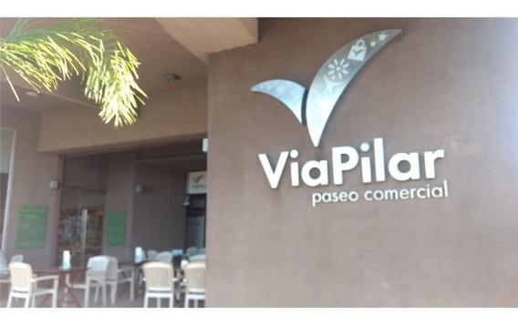 Vía Pilar, Local Comercial Con Renta, Caamaño