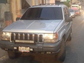 Jeep Grand Cherokee Laredo 4x2 Año 99