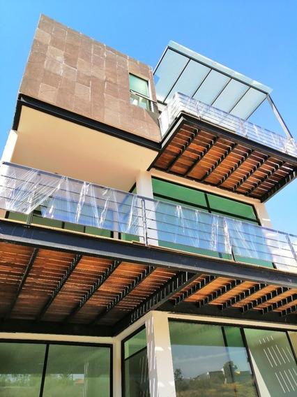 Casa En Venta En Barranca Del Refugio, Barranca De Jade. Leon Gto