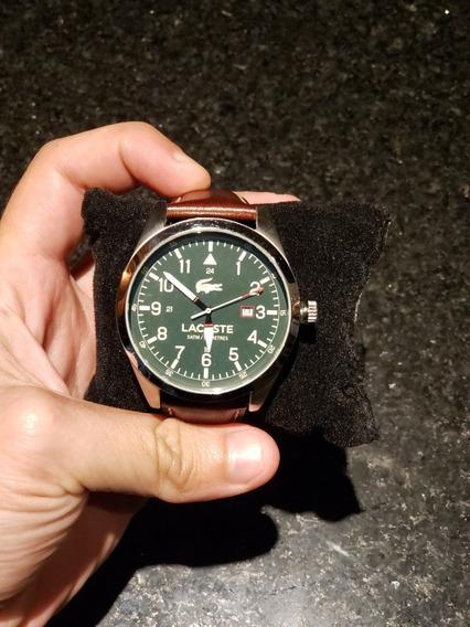 Relógio Lacoste Elegante Com Fundo Verde E Pulseira Em Couro