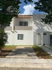 Casa En Venta En Puerto Morelos/puerto Marino