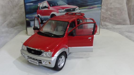 Toyota Terios A Escala Grande 1/15 - Regalo De Colección