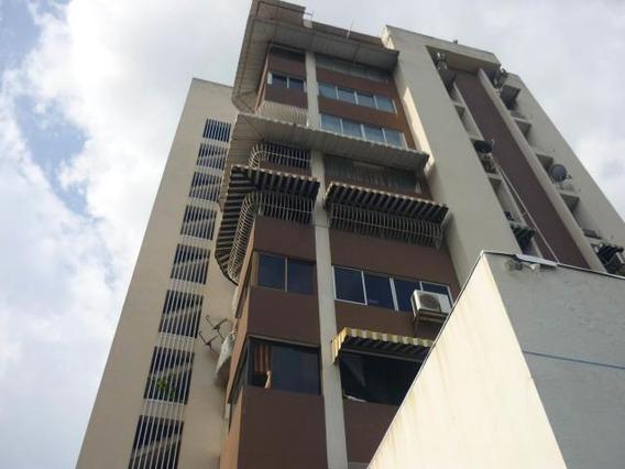 Apartamento En Venta Centro Ave 19 De Abril. Mls 19-2434 Cc