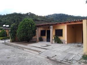 Casa En Venta El Polvero San Diego Codigo 19-17995 Raco