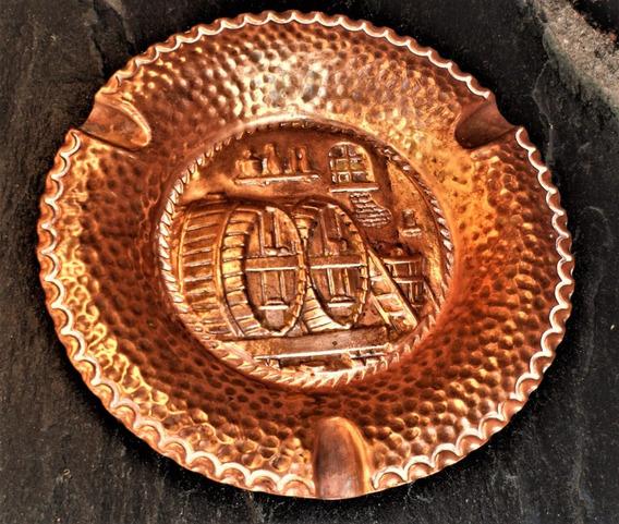 Antiguo Cenicero Cobre Labrado Martelé Toneles Vino 12 Cm