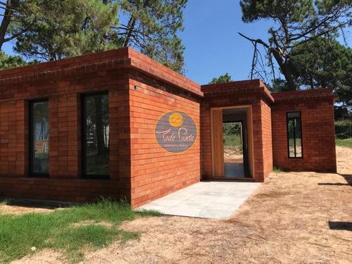 Proyecto En Venta, Playa Mansa, Punta Del Este, Próximo Laguna Del Diario- Ref: 6036
