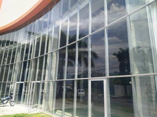 Locales En Arriendo Barrio Colombia 622-13318