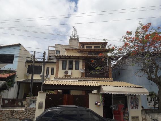 Casa Triplex 4 Quartos Com Loja Na Frente E Atras Da Praia