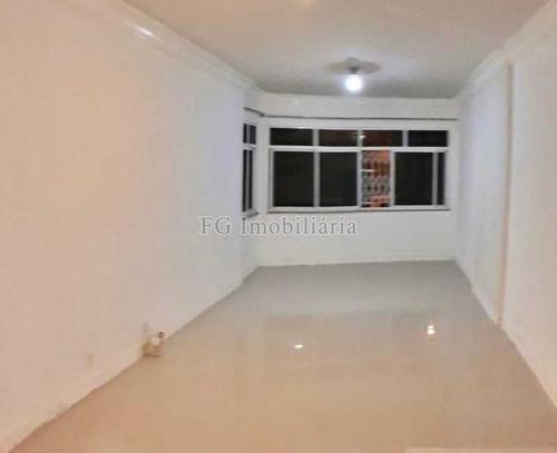 Imagem 1 de 15 de Apartamento No Humaitá - Caap30155