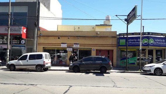 Local Sobre Avenida En Alquiler!! Boulevard Bs As 1656
